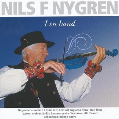 Nils F Nygren I en hand